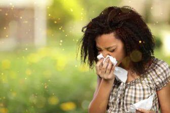 Φτάρνισμα σε αλλεργική ρινίτιδα